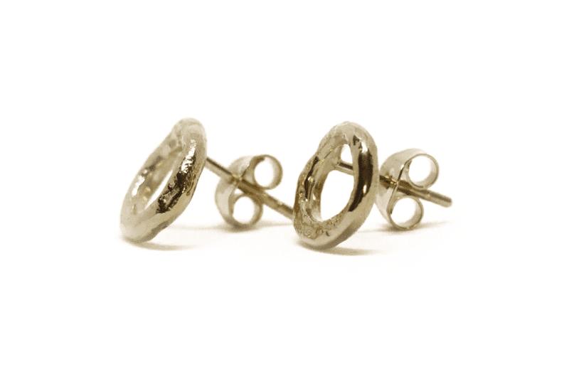Wabi Sabi earstick in gold