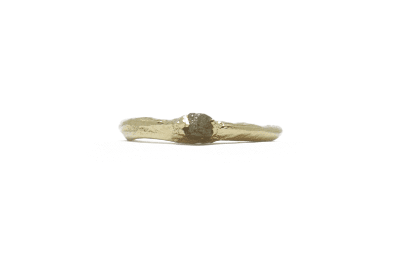 Wabi Sabi Rå ring of gold with raw diamond